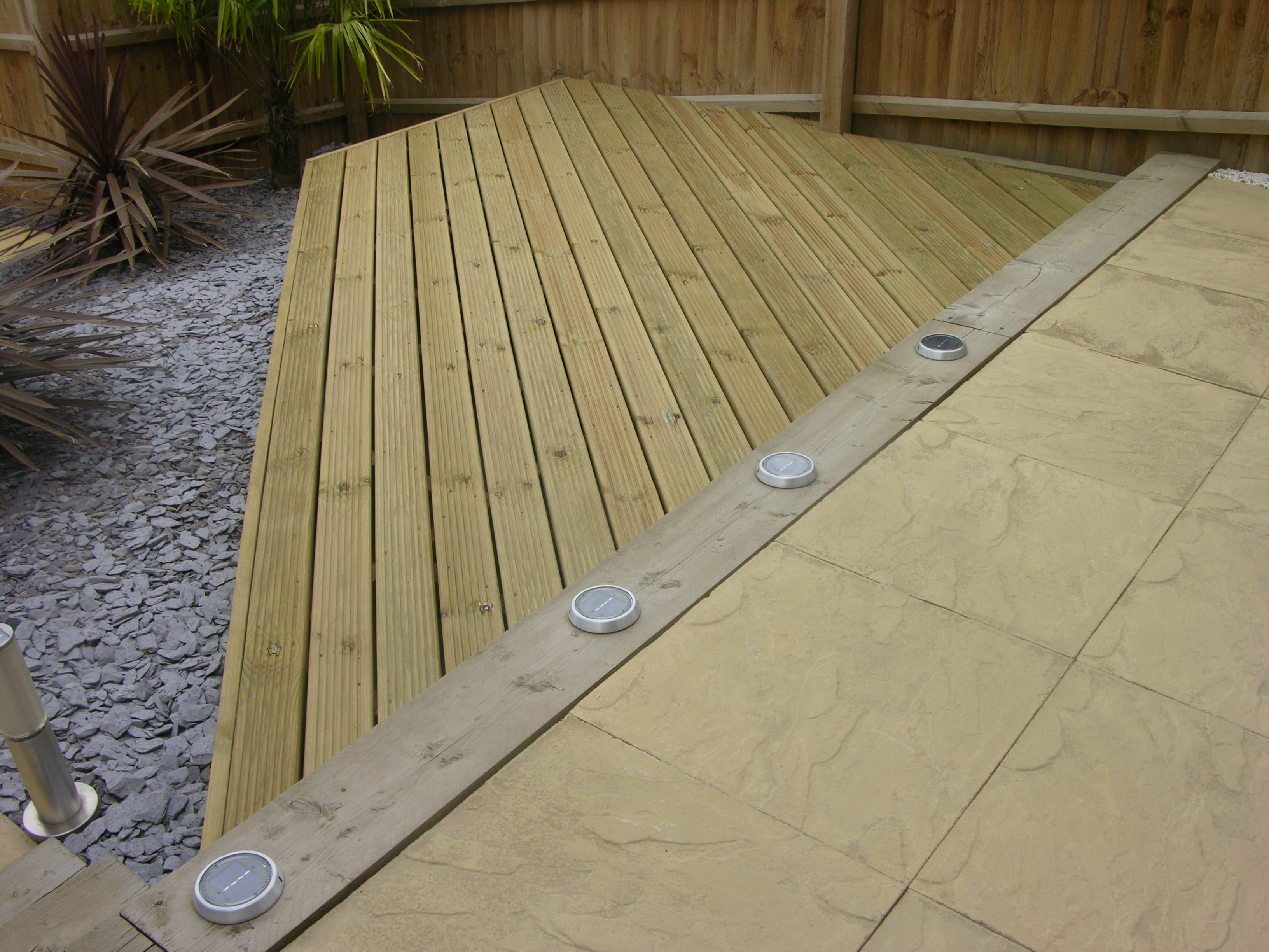 Norwich fencing fence panels norwich timber decking baanklon Choice Image